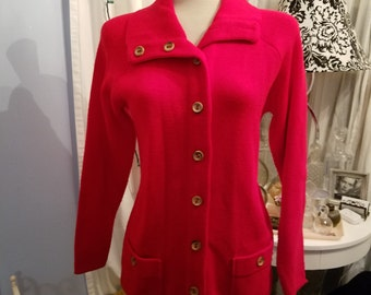 Fall Fashion. Red Hot Vintage Sweater. Impeccable. Free Shipping.