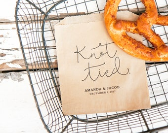 Soft Pretzel Wedding Favor Bags - Personalized Favor - Knot Tied - Wedding Snack Bag - Food Favor - 20 Grease Resistant Bags