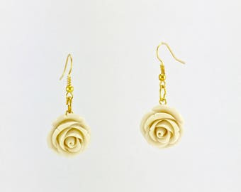 White roses dangle earrings