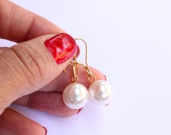 Vintage White Pearl Earrings, Swarovski Crystal Pearl Earrings, Gold Tone Pearl Drop Earrings, Ready to Ship
