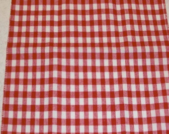 44 x 44 Inch Eco-Friendly Red and White Gingham Overlay