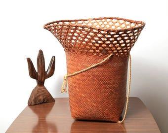 Rare Vintage Round Rattan Weaved Large Basket with side Handles Backpack, Flower Basket, Hand Towel Basket, Deep, Handwoven,Like New, Wicker