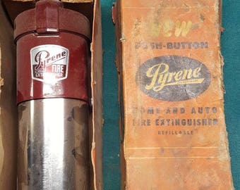 Vintage Pyrene Fire Extinguisher New Old Stock With Wall Mount Bracket, Man Cave, Vintage Style, Antique & Collectibles, Man Gift, Flea
