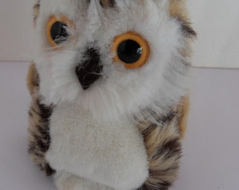 Steiff owl small  button made in Germany 2471