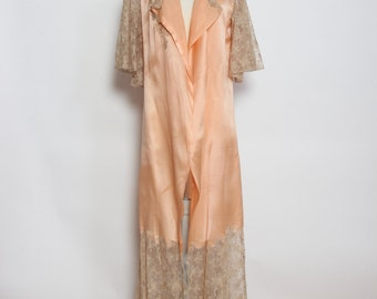 Vintage 1940s Peach Rayon and Lace Dressing Gown
