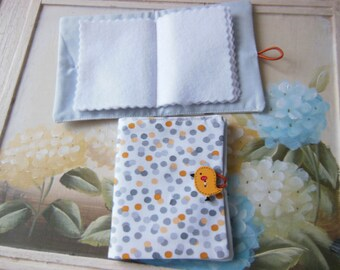 Sewing needle case with 6 felt pages - button and loop fastening