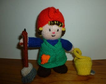 Mrs.Mop knitted doll