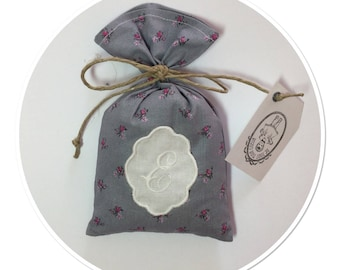 "Lavender sachet in cotton with embroidered Monogram Letter ""E"""