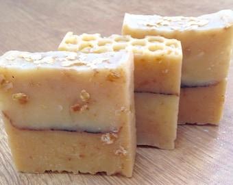 Honey and Oatmeal Soap/ Exfoliating Oats/ Moisturising Honey/ Face and Body Soap
