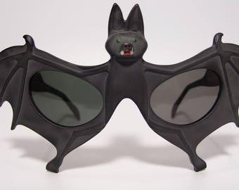 Rare NOS Vintage Anglo American Eyewear Bat Men's Women's Sunglasses Extravagant Eccentric Unique Unusual Novelty Mask Sculptural Oversized
