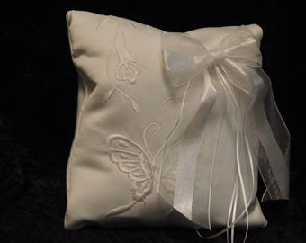 Large Over the Dog Collar Ring Bearer Pillow