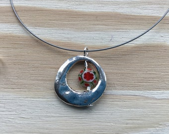 Necklace with Silver coloured Pendant with Millefiori bead