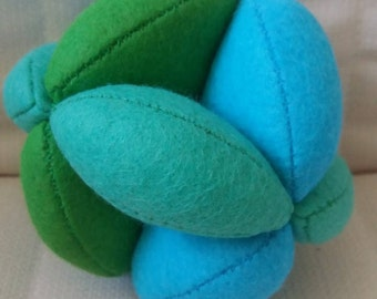 Blue/Green Puzzle Ball