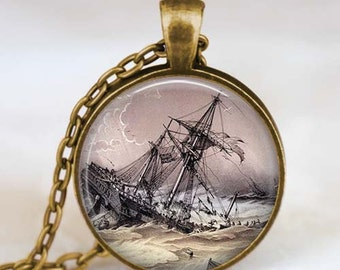 Old Ship titanic necklace , Vintage titanic ship jewelry, Vintage Ship necklace , ancient ship pendant , Old sailing ship jewelry