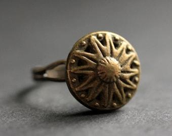 Bronze Sun Ring. Sun Button Ring. Bronze Button Ring. Adjustable Ring. Bronze RIng. Handmade Ring. Celestial Jewelry. Handmade Jewelry.