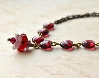 Heart Bracelet - Beaded Bracelet - Hearts and Flowers - Gift for Her - Heart Jewellery - Flower Bracelet - Christmas Gift