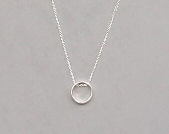 Lg Circle Pendant Necklace