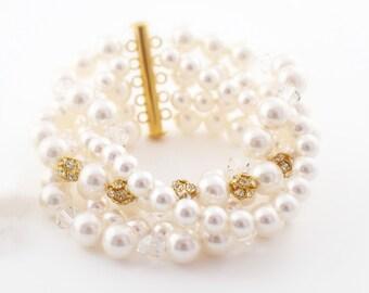 Chunky Wedding Bracelet, Pearl Bridal Bracelet, Gold Bracelet Wedding, Bridal Multistrand Bracelet, Pearl Statement Bracelet, Bridal Jewelry