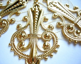 LOW Stock - Vintage Shiny Gold Plated on Raw Brass Filigree Chandeleier Pendants (4X) (V255)