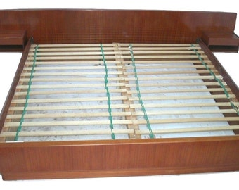KING Sz Teak Danish Modern Platform Bed + Floating Nightstands By Dyrlund MCM Mid Century Bedroom SCAN