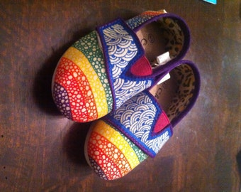 Custom Canvas Shoes with Rainbow Zentangle patterns