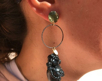 Mono earring with pupil of the