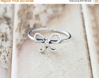 Mothers Day Sale Promise. Sterling Silver mini bowtie petite Midi Ring
