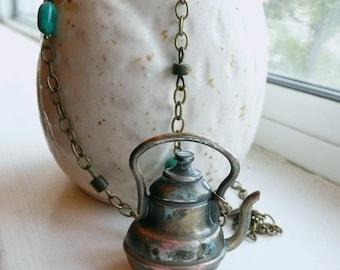 A Little Teapot - Necklace.