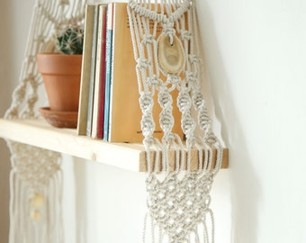 Macrame Wall Hanging Shelf , Shelf, Modern Macrame, Macrame shelf, Boho Hanging Shelf, hanging shelf, Boho decor, boho home