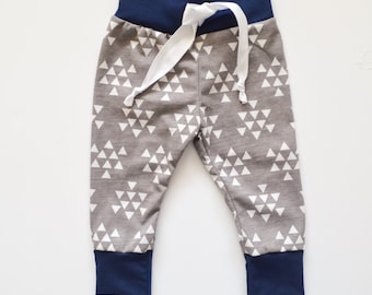 White Triangle Print Baby Joggers, Baby Jogger Pants, Baby Boy Leggings, Baby Leggings, Baby Pants, Toddler Leggings, Hipster Baby Clothes