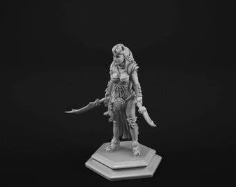 Female Human Fighter miniature for tabletop gaming. 28mm