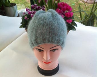Hat(Cap) in acrylic and hand-knitted soft green mohair