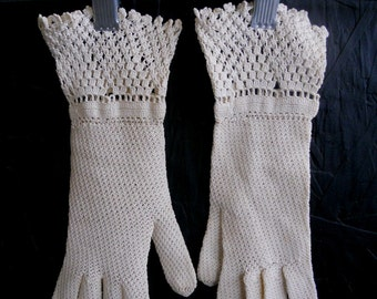 Vintage 50s 60s Gloves, Crocheted Wrist Gloves, Intricate Lacy Wedding Gloves