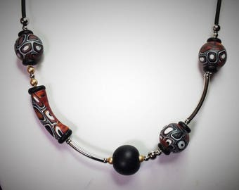 Necklace multi-perles moved