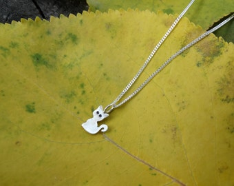 Tiny cat necklace , Sterling silver cat necklace , Sterling silver kitty necklace ,Sterling silver cat pendant, Gifts for her Valentine Gift