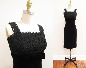 Vintage 1950s Dress | Black Velvet and Lace 1950s Wiggle Dress | size small | 5D003