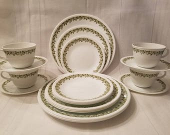 Vintage Corelle Crazy Daisy 20 Piece Dinnerware Set ~ Service for 4 ~ Dinner, Lunch, and Bread Plates, Cup and Saucer ~ Spring Blossom