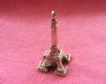 I) Vintage Sterling Silver Charm Eiffel Tower in Paris