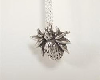 "Sterling Silver (92.5) Spider Pendant on 18"" Chain"