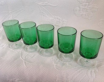 Green vintage Luminarc wine glasses / / made in France
