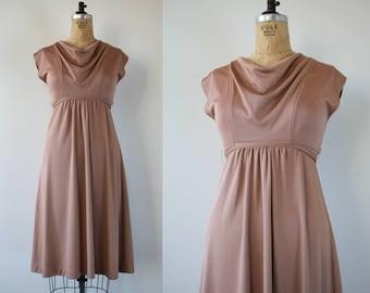 vintage 1970s dress / 70s tan dress / 70s empire waist dress / 70s day dress / 70s tie back dress / 70s disco dress / small medium