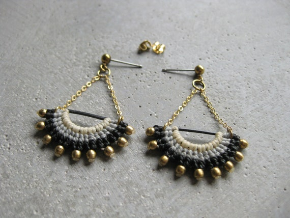 I N T I . Long Dangling Fiber & Brass Earrings . Micro Macrame © Design by .. raïz ..