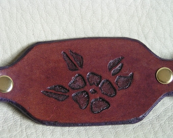Floral silhouette key fob