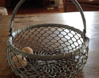 Large Wire Basket with Swivel Handle