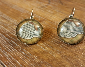 Sherlock Holmes hat earrings