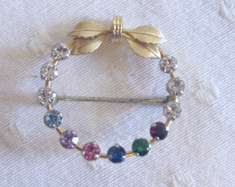 Krementz Wreath Brooch / Pin with Colored Rhinestones and Gold-Toned Leaves in a Bow  - Mid-Century Vintage Costume Jewelry