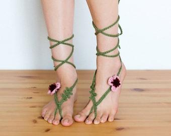 Pink Crochet Barefoot Sandals / Beach Wedding / Hippie Boho Flower Child Yoga Bottomless Footless Soleless Bare Foot Sandal / Toe Anklet