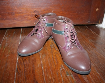 90s Brown Maroon and Green Leather Ankle Booties