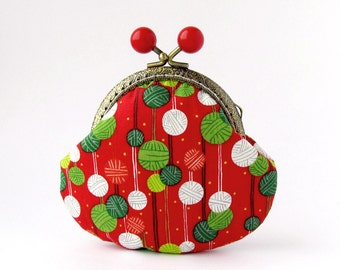 Coin Purse Red, Knitting Balls Change Purse, Christmas Red Kiss Lock Coin Purse, Frame Purse with White and Green Knitting Balls