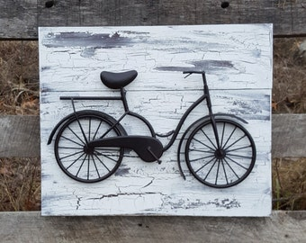 Bicycle Wall Art / Reclaimed Wood and Bicycle Wall Art / Shabby Chic Wall Art / Bicycle Wall Decor / Shabby Chic wall decor / Metal Bicycle